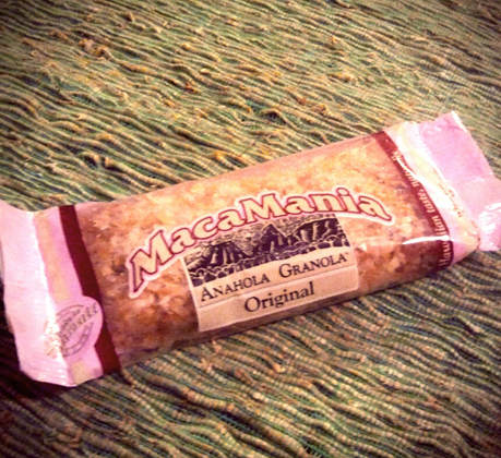 macamania_granola_flavors_of_hawaii