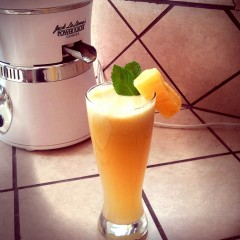 pineapple juice and power juicer