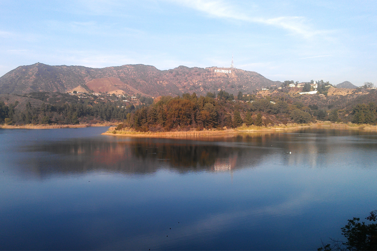 Scenic Hollywood Lake Reservoir Hollywood Sign