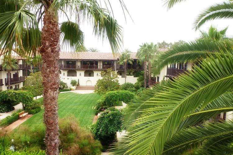 estancia la jolla hotel lawn
