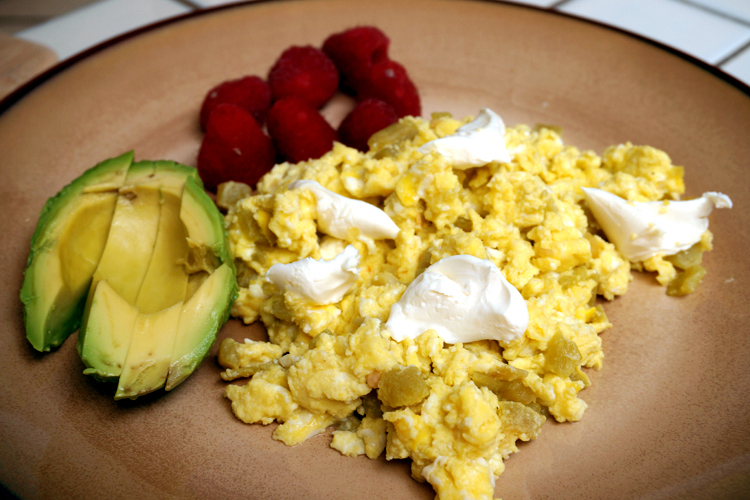 green chile scrambled eggs recipe
