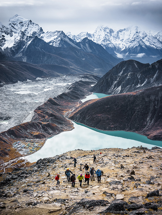 trekkers going up gokyo ri Nepal
