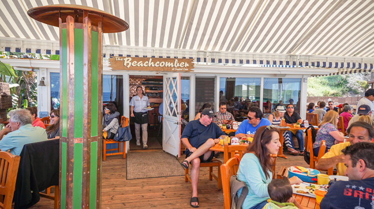 Front dining deck at Beachcomber Cafe.