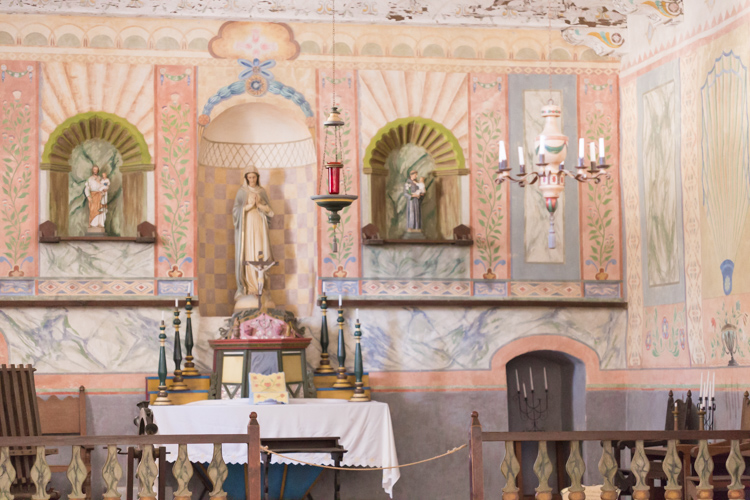 La_Purisma_Mission-altar