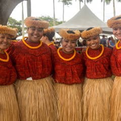 Kauai_King_Parade-hula gals