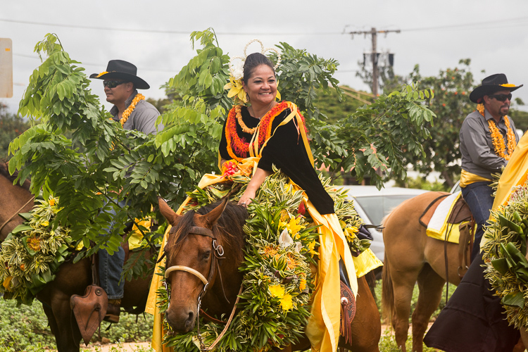 Princess of Oahu attendants and riders