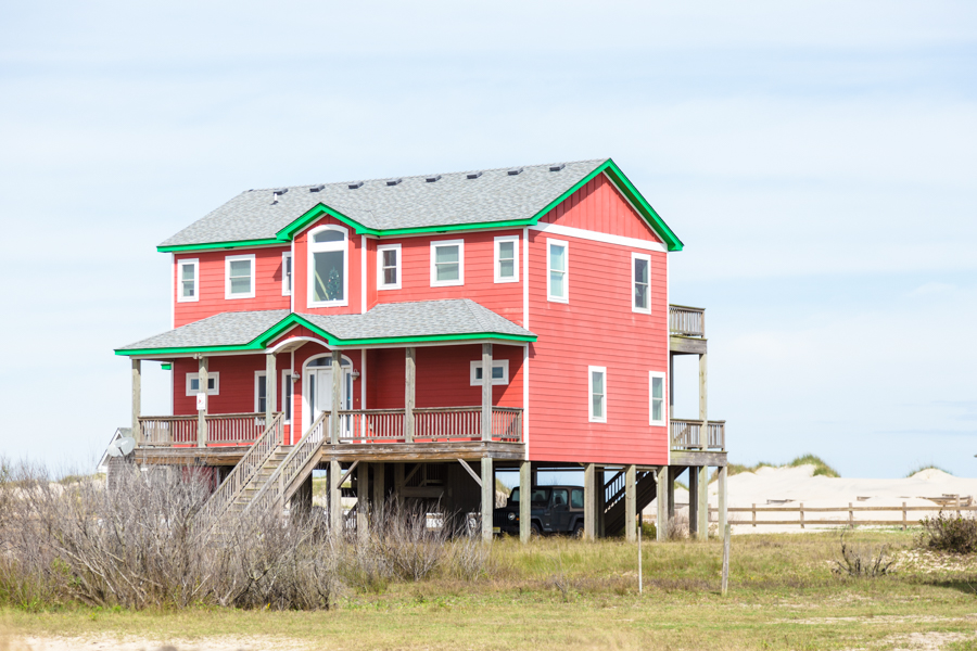 I bet you could see wild mustangs from the porch of this vacation rental every day.
