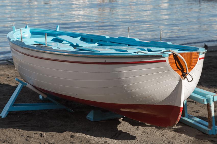 Sorrento_marina beached boat