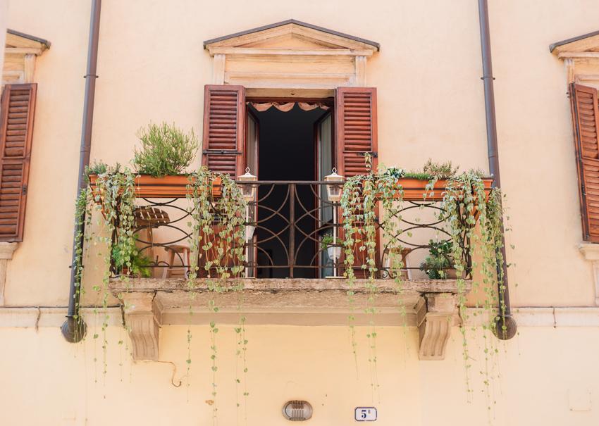 Verona classic balcony
