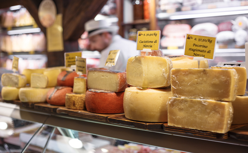 Bologna_Italy cheeseshop