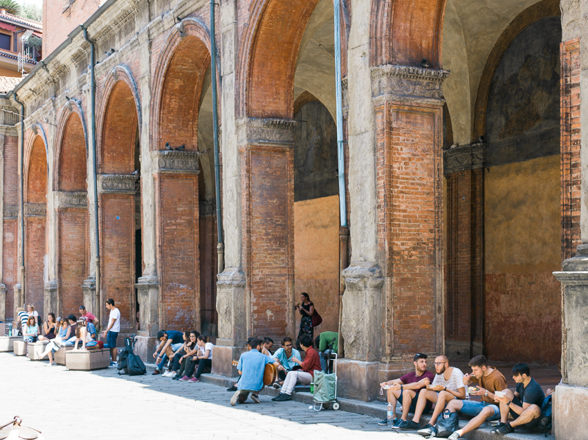 Bologna_Italy-students